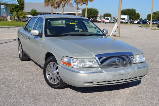 Pre-Owned 2004 Mercury Grand Marquis LS Ultimate
