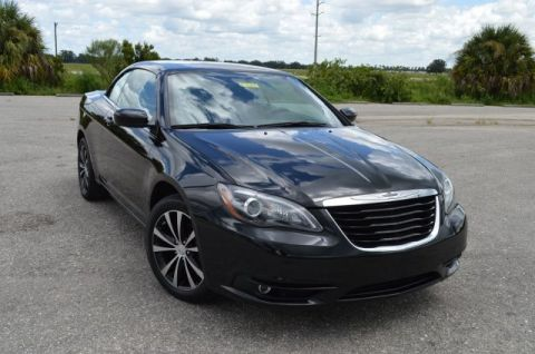 Pre-Owned 2013 Chrysler 200 S